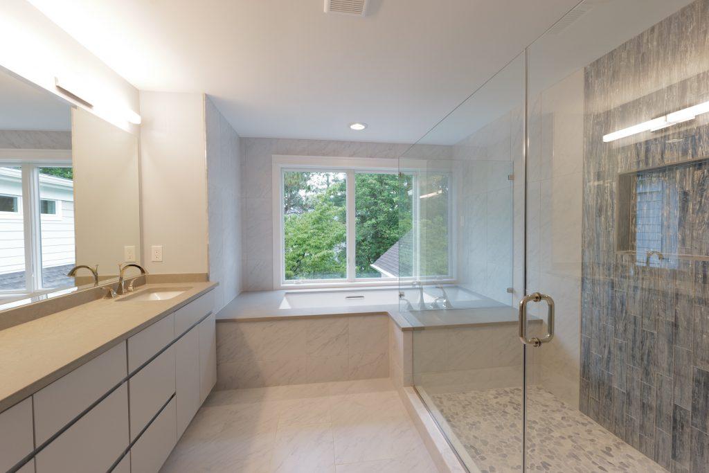 Station Avenue - Bathroom